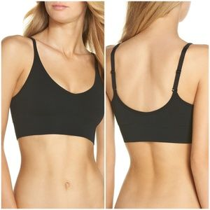 SPANX Intimates & Sleepwear - SPANX Laidback Layers Seamless Bra sz Med